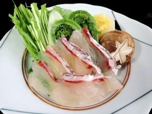 絶品春鍋スタート♪天然桜鯛と山菜の贅沢しゃぶしゃぶ